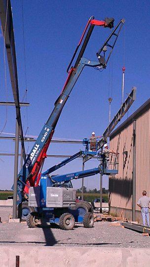 Alpha One - erecting the steel